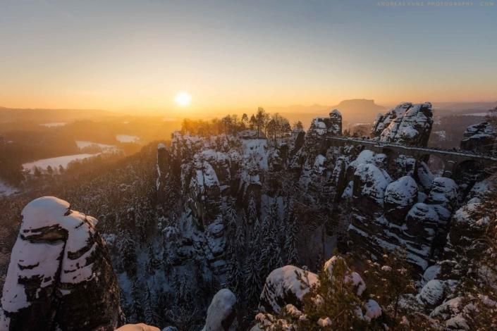 Bastei-sunrise-saxon-switzerland