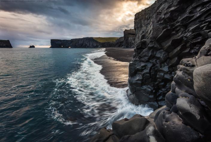 Seascape-Coast-of-Iceland