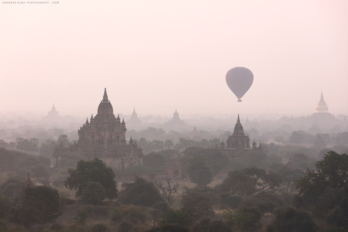 balloon-over-temple-in-bagan