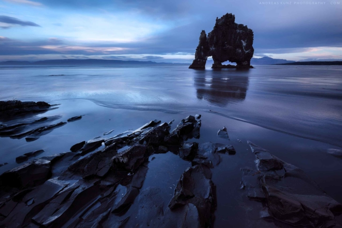 Iceland-seascape-hervitsekur-with-rocks
