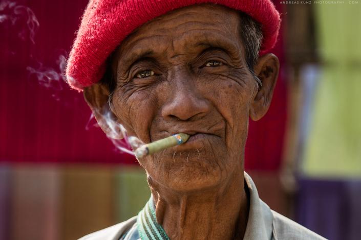 man-with-cigar-inle-lake