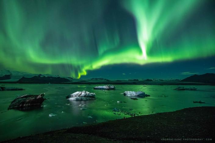nothern-lights-over-joekulsarlon