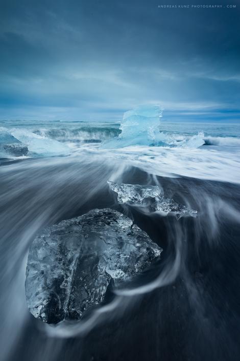 seascape-ice-on-beach