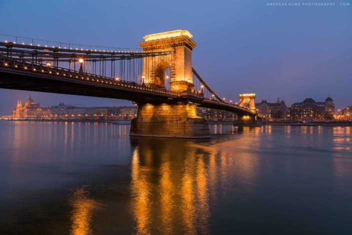 Budapest-bridge-budapest-at-blue-hour-Andreas-Kunz-Photography