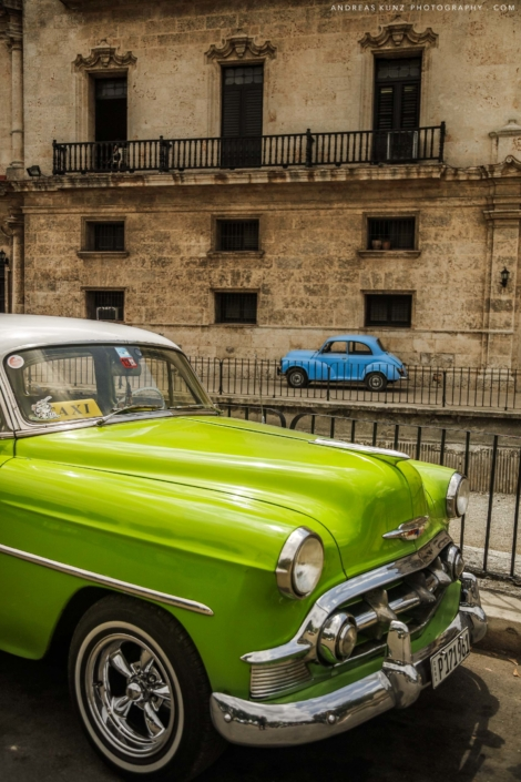 Cuba-green-old-car-in-habana